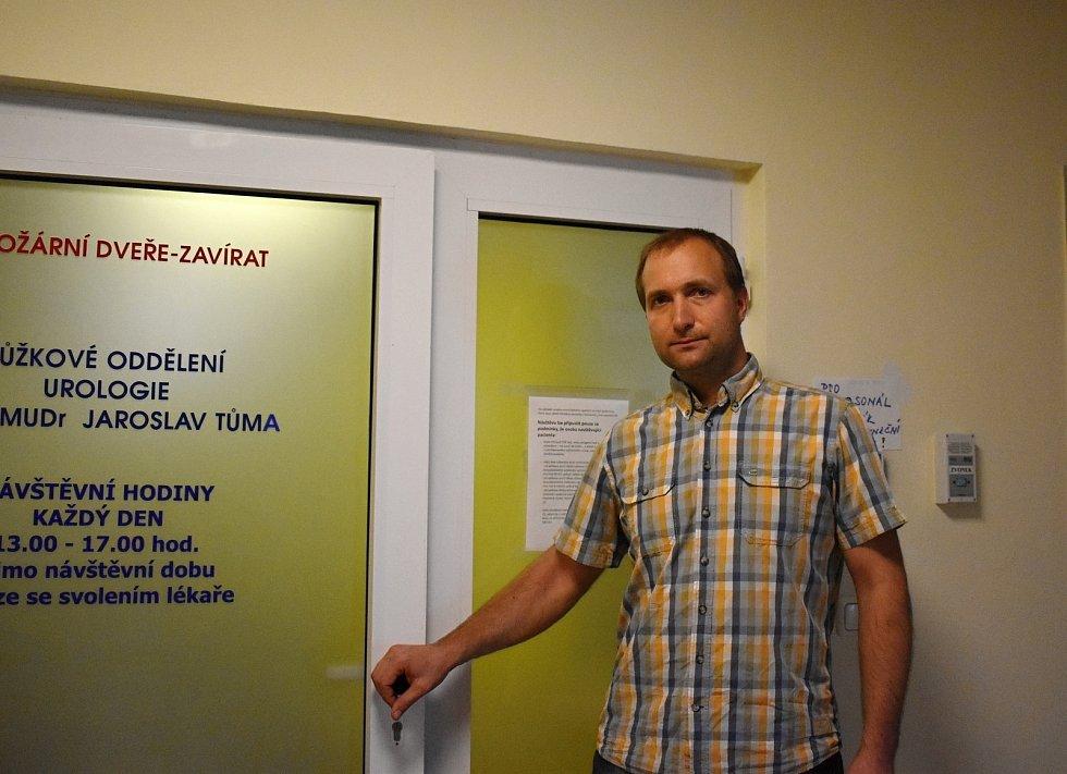 Jiří Janů je jediným specialistou na onkologickou urologii na Vysočině.