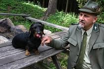 Pavel Mrkos byl nejen hajným, ale také vynikajícím mysliveckým kynologem. Se svými psy vyhrál spoustu cen.