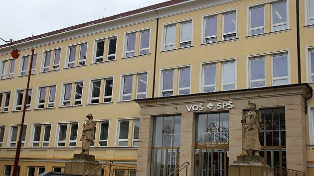 Vyšší odborná škola a Střední průmyslová škola Žďár nad Sázavou.
