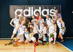 Extraligový tým juniorek BK Žďár nad Sázavou se loučil se sezonou vítězstvím.