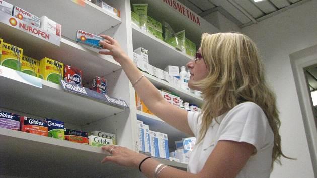 Například lék Nurofen stop grip je od 1. května ke koupi pouze proti dokladu totožnosti nebo karty pojištěnce.