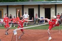 Hron s Krátkým při zápase. Žďár remizoval na domácích kurtech s Bajdou Kroměříž.