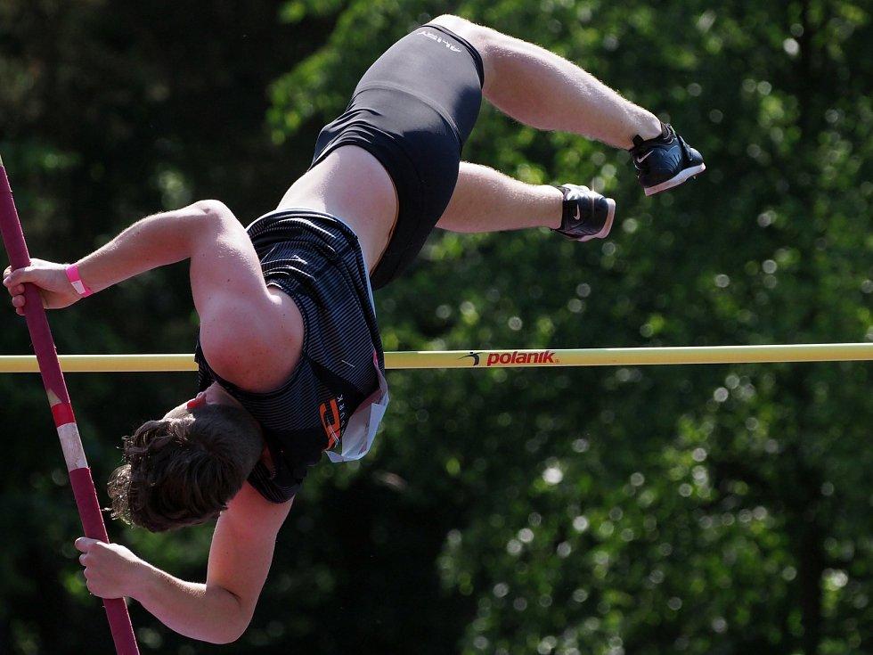 Na víkendovém mistrovství České republiky atletiky juniorů a dorostu v Kladně se výrazně prosadili také mladí sportovci z Vysočiny.