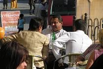 Své další příznivce mezi Žďárskými získávali předseda ČSSD Jiří Paroubek, místostarostka Žďáru nad Sázavou a kandidátka na senátorku Dagmar Zvěřinová a také kandidát na hejtmana kraje Vysočina Jiří Běhounek.