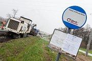 Na silnici 38 okolo obce Sklené nad Oslavou byla 19.4. 2017 zahájena stavba obchvatu.