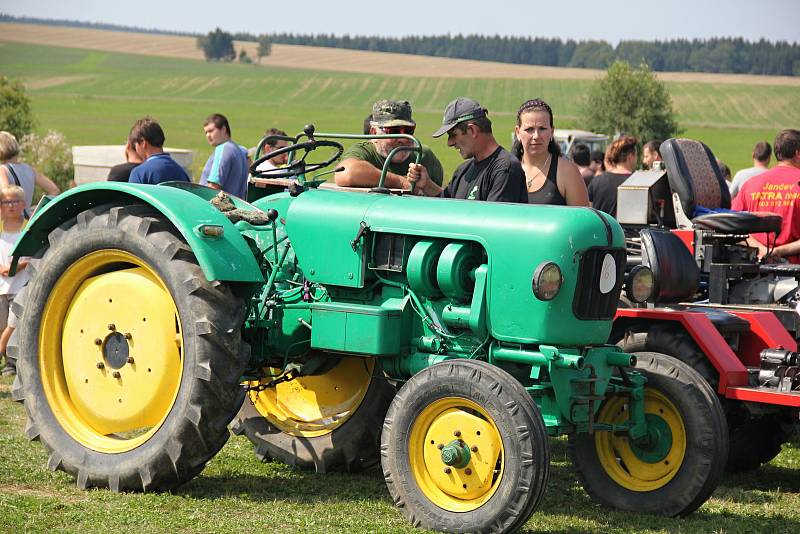 Spolek Pro Herálec obnovil tradici místních traktoriád.