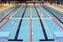 Bazénová hala, jejíž kapacita je 130 lidí, zahrnuje 25 metrový plavecký bazén, relaxační bazén s chrliči a divokou řekou, dětský bazének se skluzavkou a vířivku pro 10 osob.