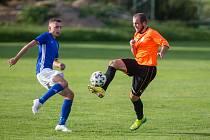 Dohrání podzimní části letošní fotbalové sezony je s velkým otazníkem. Pokud se nouzový stav prodlouží, je pro letošek mistrovský amatérský fotbal odpískaný.