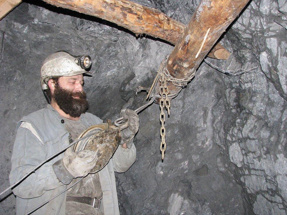 Práce v uranových dolech nebyla jednoduchá.