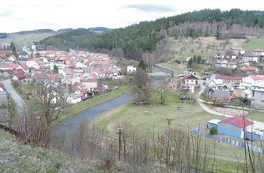 Svratka a Jimramov k sobě patří stovky let. Fotografie z kopce Horka patří asi k těm nejznámějším. Ale řeka už Jimramovské bydlící v její blízkosti několikrát potrápila.