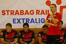 Letos mají svěřenci trenéra Pavla Hladíka (na snímku) velkou příležitost na účast v play-off.