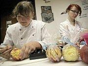 Na tradiční gastronomickou výstavu láká ve středu 11. října od deváté hodiny ranní Hotelová škola Světlá a Střední odborná škola řemesel Velké Meziříčí.