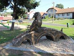 Zatím poslední betonová socha od žďárského umělce Michala Olšiaka stojí v Sazomíně na Žďársku.
