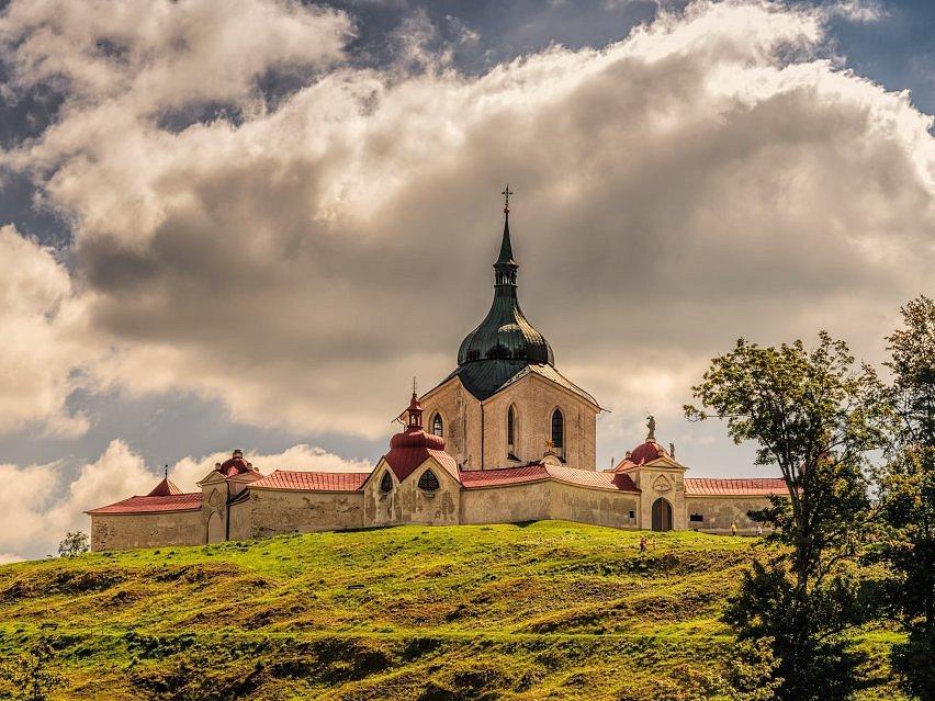 Santiniho kostel svatého Jana Nepomuckého.