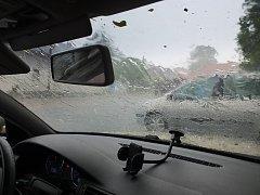 Ve čtvrtek večer a v noci zasáhly Žďársko bouřka, silný déšť a místy i kroupy. Hasiči zasahovali u 25 událostí, šlo nejvíce o polámané stromy a větve na komunikacích.