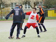 Nejrychlejší gól vstřelil Jiří Plachý z Hockey Teamu (v bílém).
