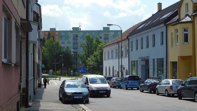 Rekonstrukce Nádražní ulice se protáhla. Práce zbrzdil i koronavirus