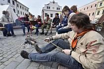Ve Velkém Meziříčí 25. března druhým dnem pokračoval třídenní valný sněm Junáka - českého skauta. Na setkání přijelo více než šest stovek skautských vedoucích z celé republiky.