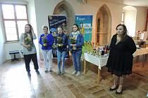 Pořadatelé ocenili účast žen v turnaji květinou.