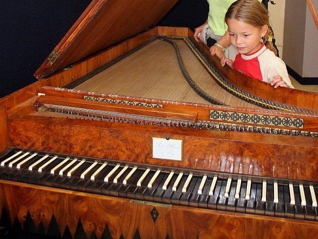 Už brzy se jedinečné exponáty z Muzea klavírů přestěhují z budovy konventu žďárského kláštera do Prahy. Volné prostory zaplní expozice o Santinim.