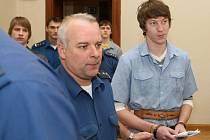U soudu s obžalovanými Tomášem Zavřelem, Jakubem Doležalem a Michalem Kisiovem.