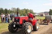 Traktory v Herálci.