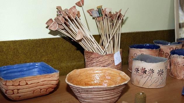 Až do 24. dubna bude trvat prodejní výstava v prostorách Školy ekonomiky a cestovního ruchu ve Žďáře nad Sázavou.