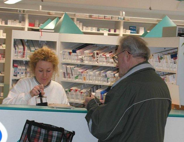 Lékárníci na Žďársku nesouhlasí s plánovaným poplatkem třicet korun za každou položku uvedenou v receptu.