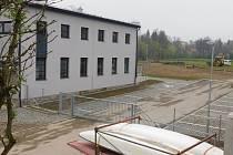 Přestavěná budova na břehu Sázavy se představí veřejnosti.