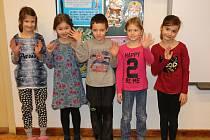 Na fotografii jsou žáci ze Základní školy v Křídlech. První třída paní učitelky Markéty Šimkové.