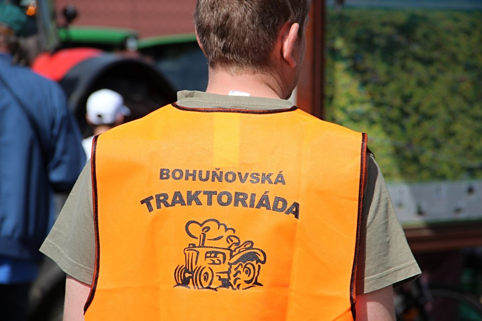 V Bohuňově se letos představila více než stovka strojů.