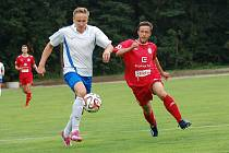 Jen jedinou výhru zaznamenali v dosavadním průběhu této sezony elitní krajské soutěže na Vysočině fotbalisté HFK Třebíč (v červeném). Na další bodový zisk navíc čekají již poslední čtyři týdny.
