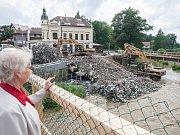 O den dříve, než bylo původně naplánováno, šel k zemi most přes řeku Balinku v Třebíčské ulici ve Velkém Meziříčí.
