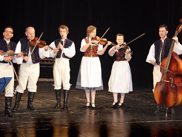 V okresním městě se uskuteční Žďárská tancovačka. Večer bude zaměřen na folklor a na připomenutí lidových tradic. Akce se koná v Orlovně od 19 hodin. Účinkovat bude také domácí hudební soubor Horácká muzika (na snímku).