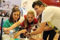 Budoucím středoškolákům se na Festivalu vzdělávání ve Žďáře představily tradiční i ojedinělé obory čtyřiaosmdesáti škol z celé republiky.