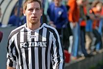 Zkušený obránce Jan Zich znovu potvrdil pověst, která mu vedle fotbalových dovedností hodně škodí. Problémy s disciplínou ho naposledy stály angažmá ve Vrchovině. Na archivním snímku v dresu Žďáru.