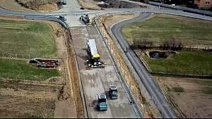 Na výstavbě obchvatu Osové Bítýšky na silnice I/37 již silničáři obnovili práce v plném rozsahu.