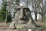 Betonové skulptury žďárského umělce Michala Olšiaka jsou rozsety po celé republice. Jejich největší koncentrace je ale na jeho rodné Vysočině. Na snímku Mamlas nad Žďárem nad Sázavou.