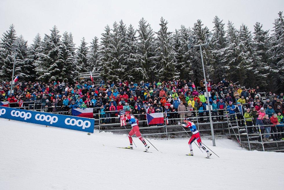 Stíhací závod žen na 10 km klasicky v rámci Světového poháru v běhu na lyžích.