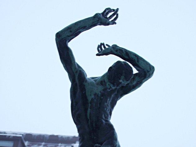 Raněný od sochaře Jana Štursy.