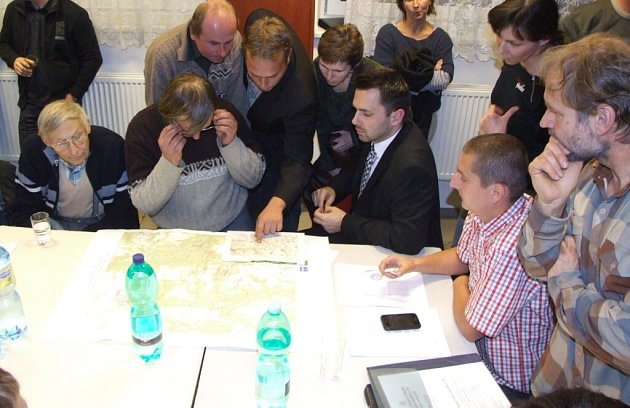 Obecní úřad v Bukově vyhlásí referendum kvůli geologickému průzkumu pro trvalé úložiště jaderného odpadu.