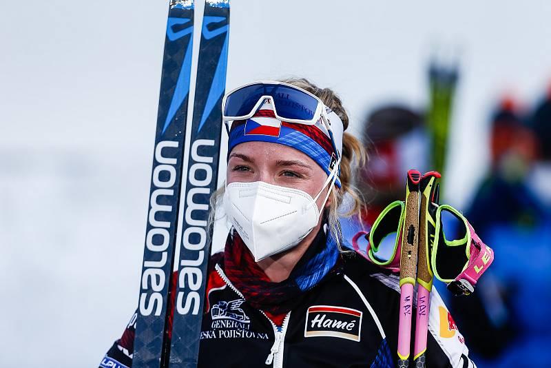 Markéta Davidová po závodu Světového poháru v biatlonu v závodu sprintu žen na 7,5 km.