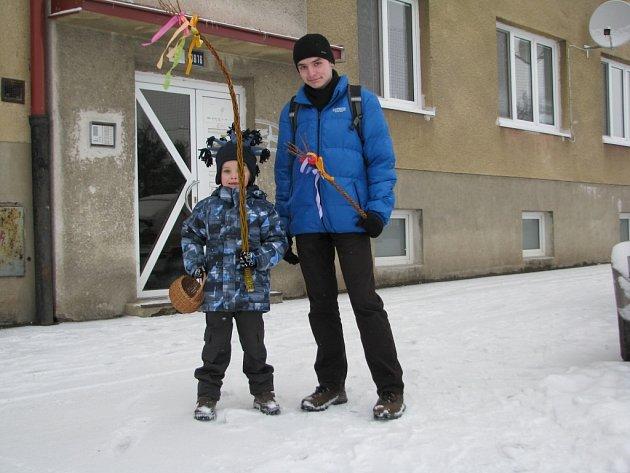Bez zimních bund a čepic se letos neobešli koledníci ani ve Žďáře nad Sázavou.