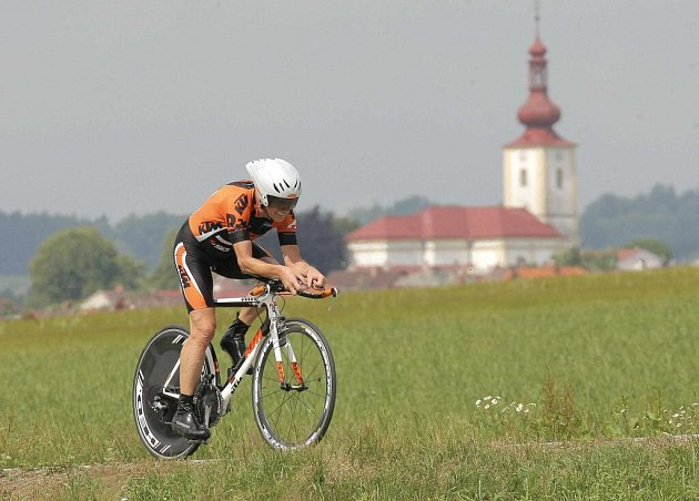 Čtyřdenní evropský veteránský šampionát Masters 2012 zahájil ve čtvrtek program časovkou okolo Nového Veselí na Žďársku.