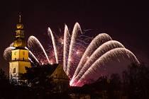 Žďárský novoroční ohňostroj.