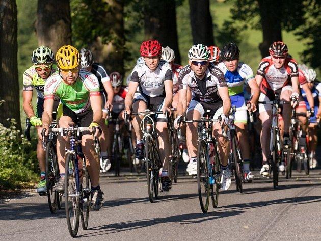 Amatérští cyklisté si v Rudě u Velkého Meziříčí mohou vybrat ze tří závodů na 50, 100 a 200 kilometrů.