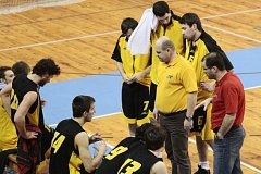 Úvod basketbalového play-off rozhodly zkušenosti a šestky. V koncovce jsme byli zkrátka šťastnější, přiznal trenér vítězného BK Žďár Jaroslav Sedlák.