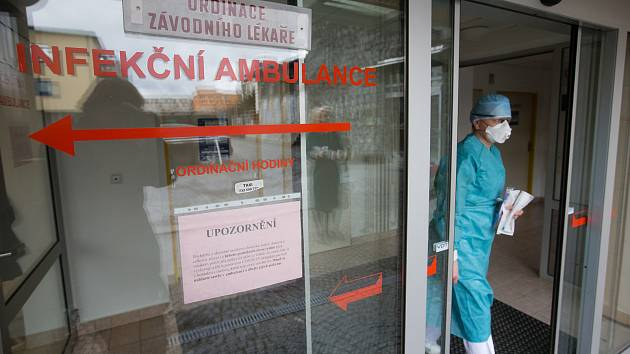 Test na koronavirus byl pozitivní u zaměstnance novoměstské nemocnice