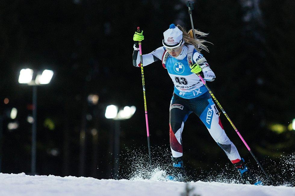 Eva Puskarčiková v závodu Světového poháru v biatlonu v závodu sprintu žen na 7,5 km.