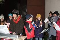 K akci Česko zpívá koledy se také letos přidala obec Újezd.